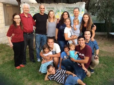 Mirjan ja Halvorin perhettä.jpg